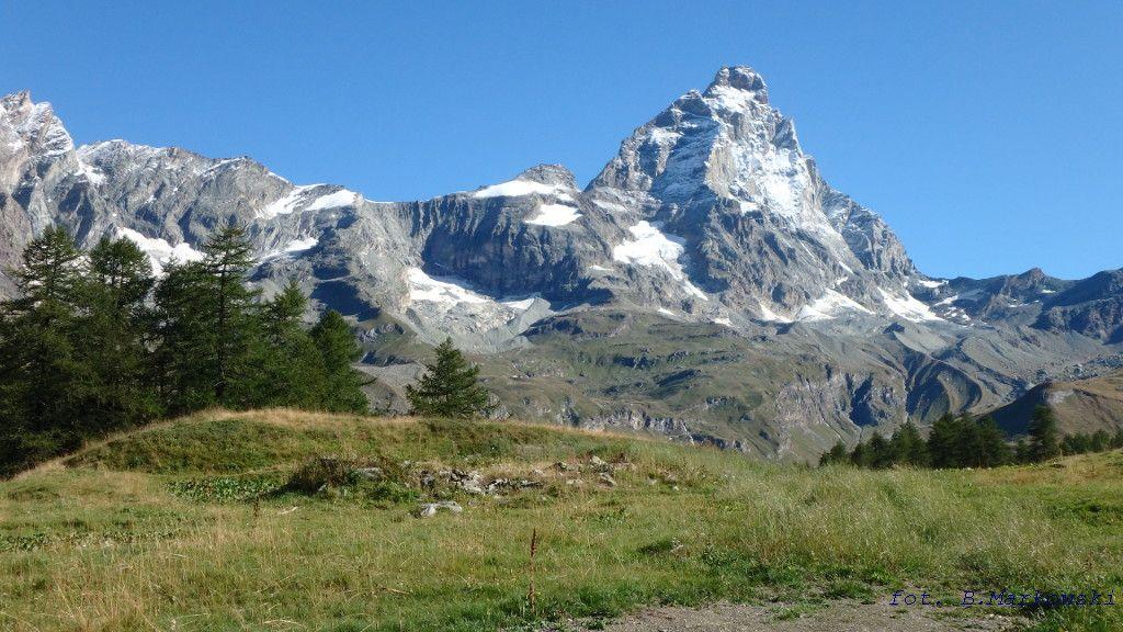 Widok Matterhornu z okolic Cervinii.