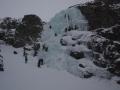 Kiedy nie można wspinać się po górskich drogach ze względu na opady  śniegu pozostaje wspinać się na lodospadzie.